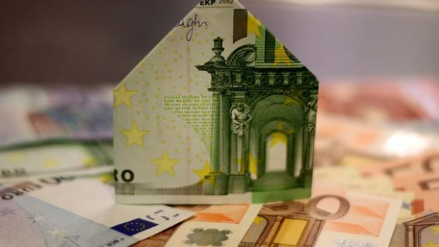 Différence entre rachat et renégociation du prêt immobilier