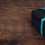 Soyez original et offrez des cadeaux insolites à vos soirées